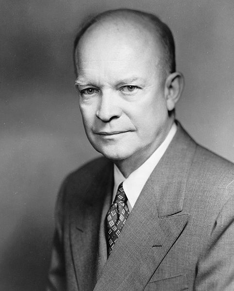 Dwight David Eisenhower, 1952.jpg