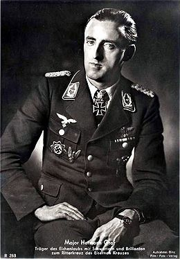 Brillantenträger Major Hermann Graf.jpg