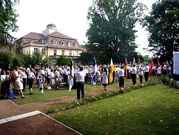 Einweihung der Gedächtnisstätte Guthmannshausen, August 2014.JPG